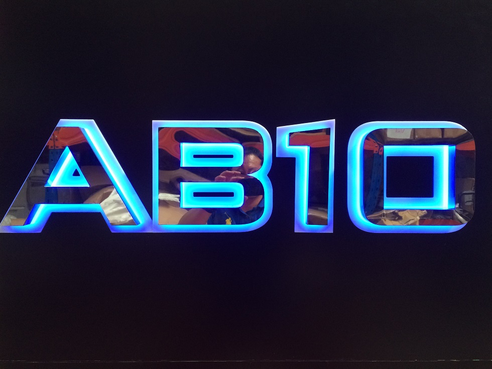 AB10 01